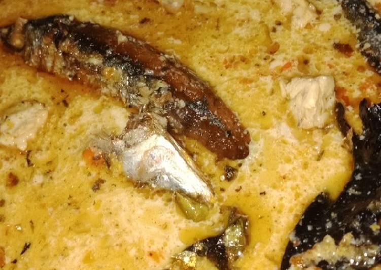 Ikan pindang/cue dan tempe kuah santan pedas
