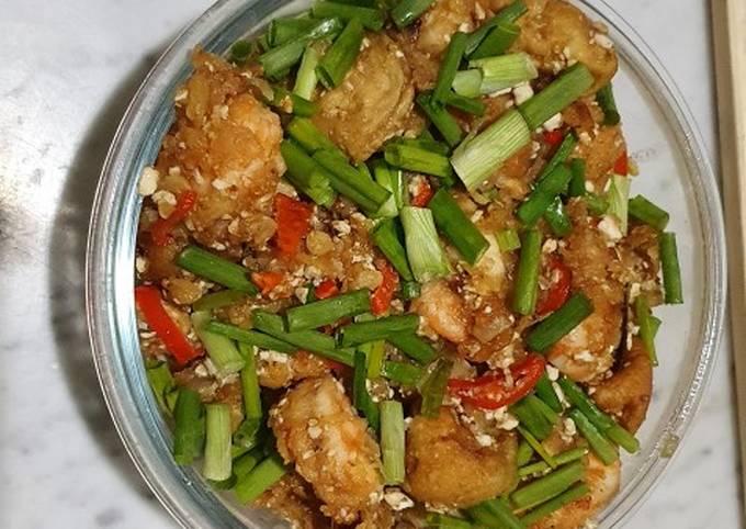 Crispy tofu and prawn with salted egg sauce