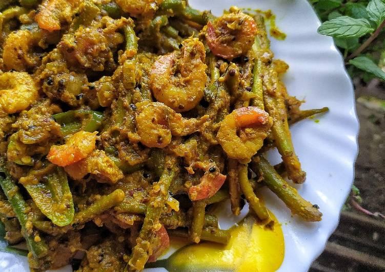 Recipe of Homemade Prawns in Taro Stolons Mustard Curry