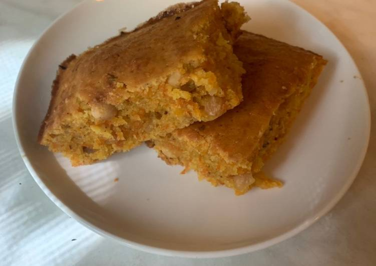 Recipe: Yummy Carrot Cake with Walnuts and Cinnamon
