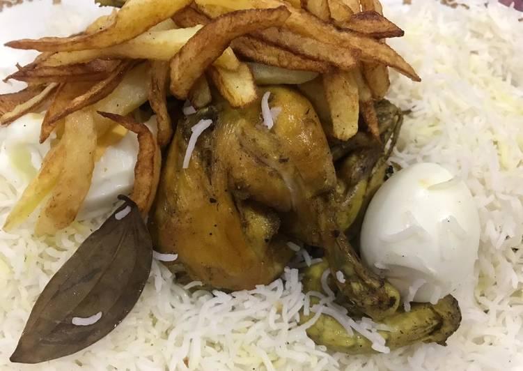 دجاج مقلي مع ارز ابيض