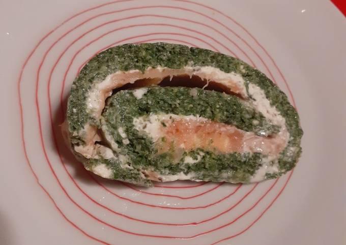 Roulé saumon épinards ail et fines herbes