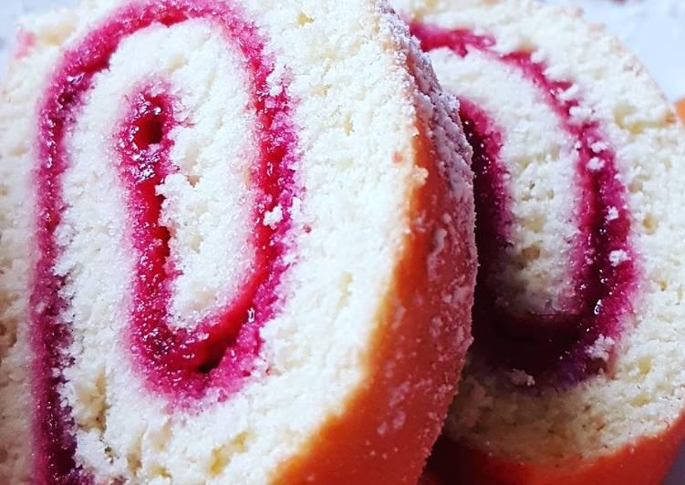 Gâteau roulé à la confiture de framboise