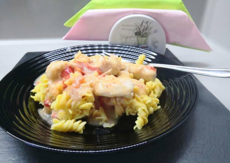 Csirkemelles lecsós ragu (gluténmentes), tésztával recept foto