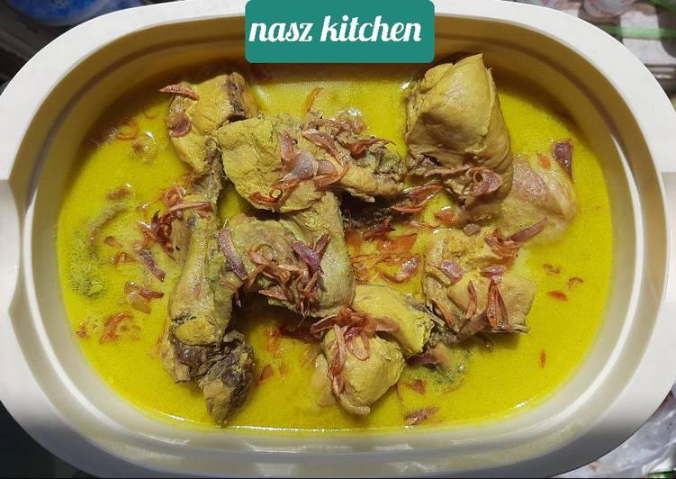 #3 Opor Ayam Kuning
