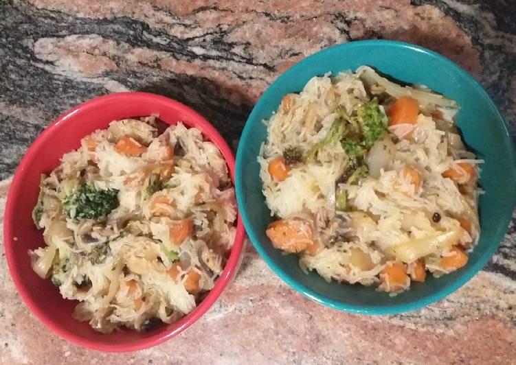 Noodles / Fideos de arroz con verduras