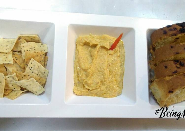 How to Make Quick Hummus with baked namken and garlic bread
