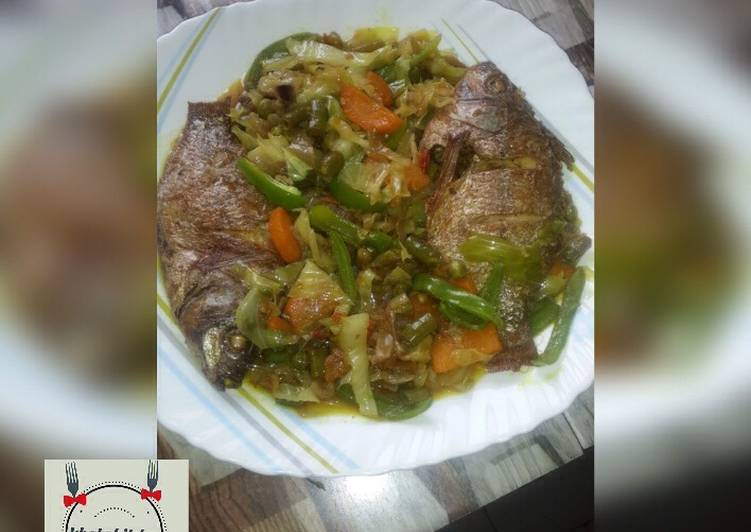 Fried fish vegetable soup recipe by Khabs kitchen