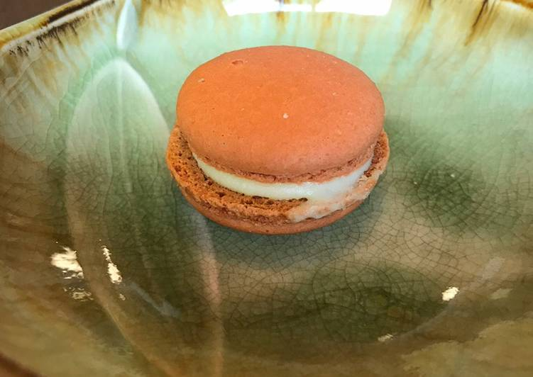 Recipe: Yummy Pumpkin spice macarons