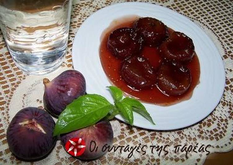 Foods That Can Make Your Mood Better Caramelized figs with rum and cinnamon