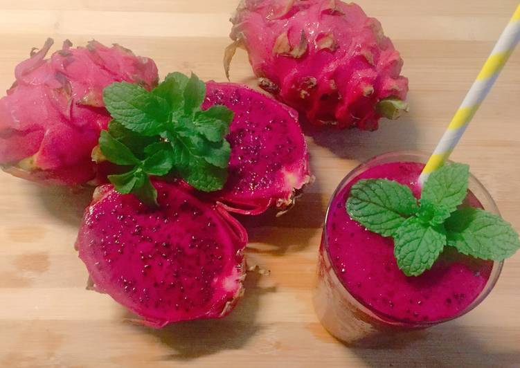 Recipe of Favorite Bloody dragon fruit smoothie