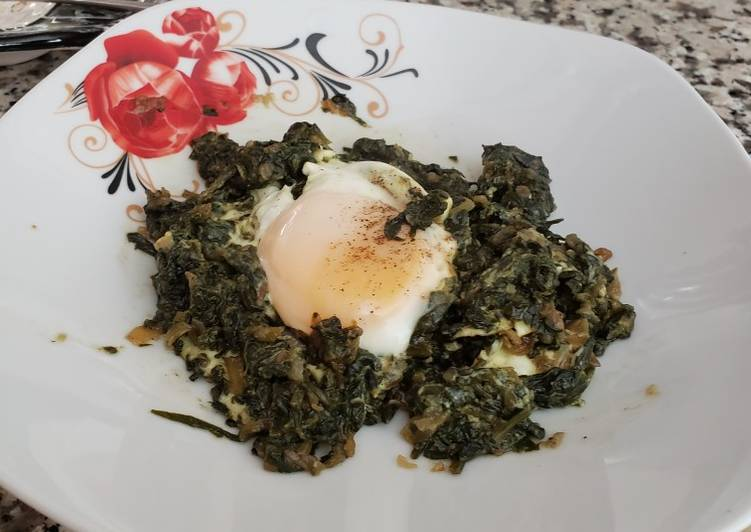 Spinach 🍀 with egg 🥚