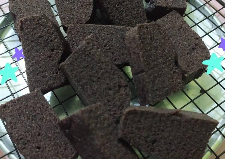 resep bikin Bolu Ketan Hitam (2 telor, gluten free, no mixer) #1 - Sajian Dapur Bunda