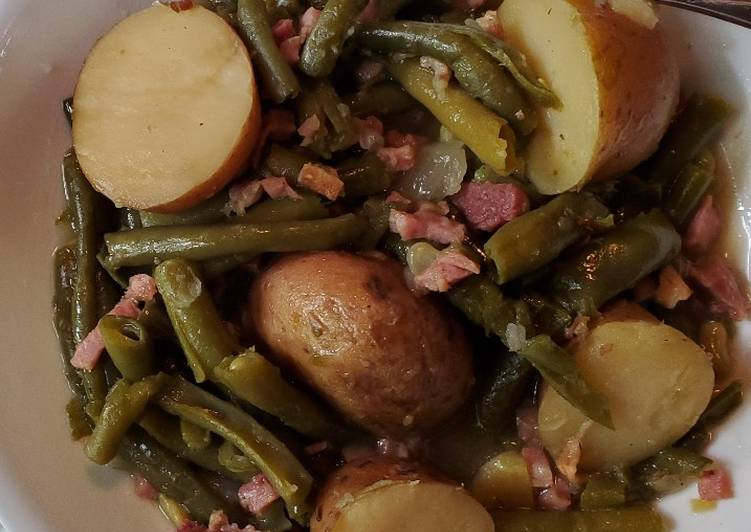 Steps to Prepare Homemade Kim's Green Beans, Ham and Potatoes
