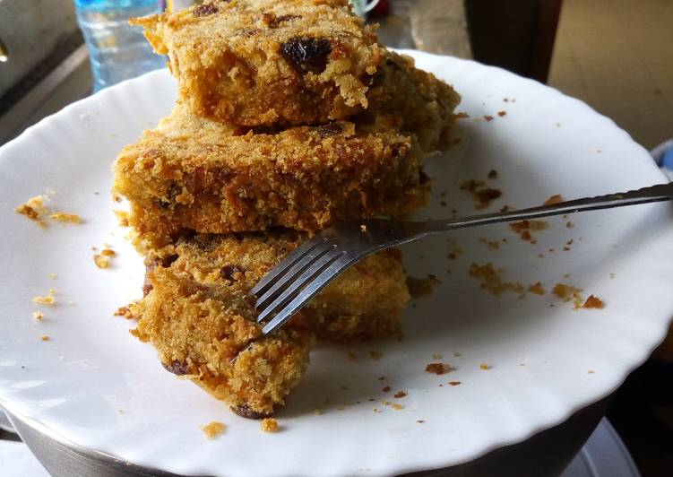 Spicy, Fruity Carrot cake