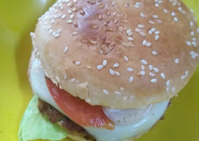 Healthy cheesy burger with soya pattice