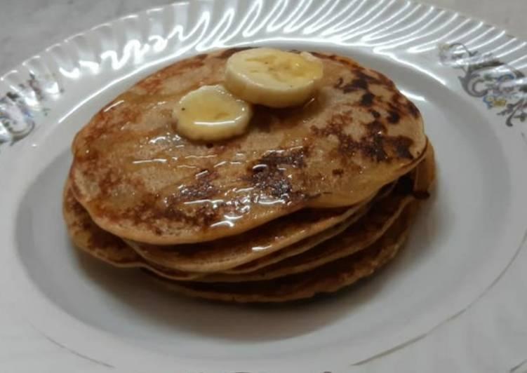 Eggless Oats & Banana Pancakes: