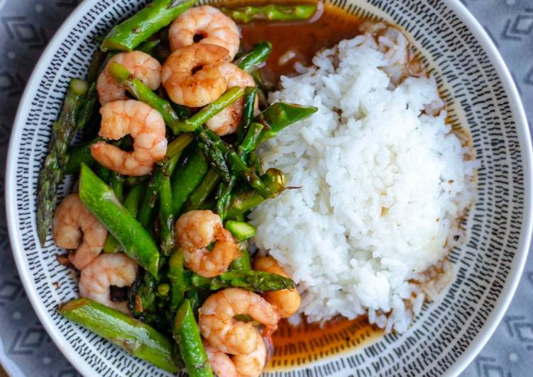 Easiest Way to Prepare Speedy Stir fried asparagus with Prawns