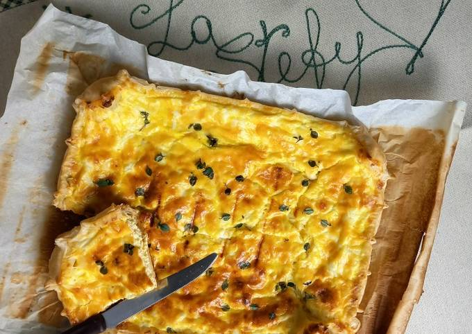 Pizza rustica di formaggi