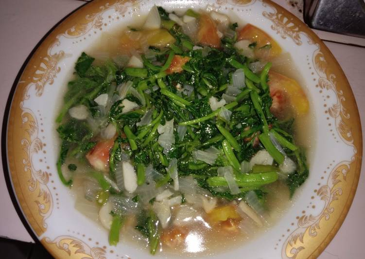 Tumis selada air pedas bingit foto resep utama