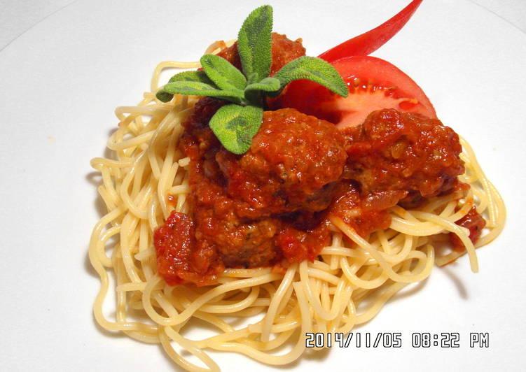 Sycylijskie pulpety w sosie pomidorowym z makaronem spaghetti