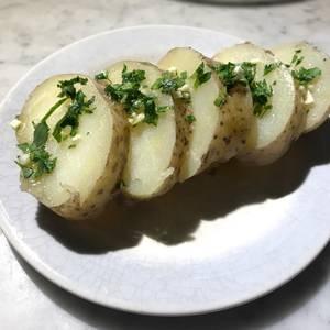 Papas Vagas  (papas naturales con ajo y perejil)