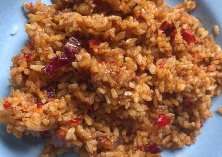 Nasi goreng rumahan yang sederhana