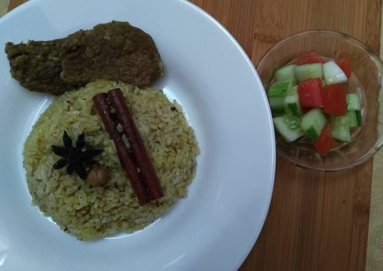 Nasi kebuli daging masak rice cooker