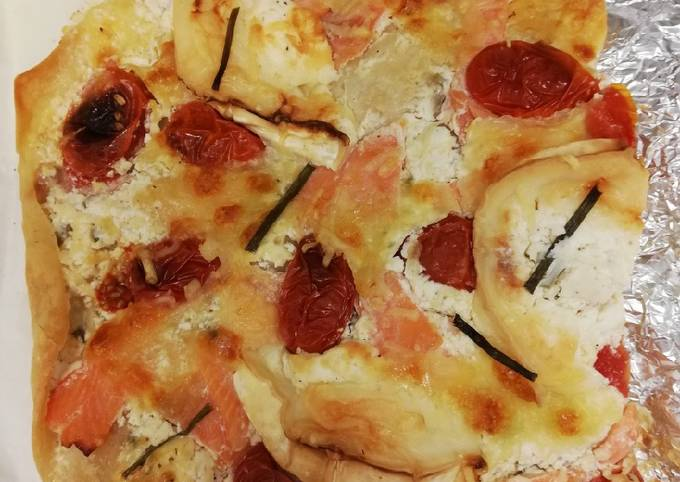 Pizza au saumon-fromage