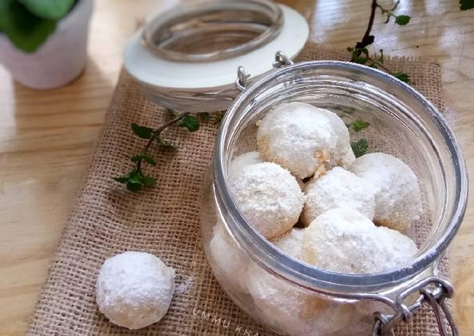 Resep Kue Putri Salju Almond Oleh Dina Ummu Khal Kitchen Cookpad