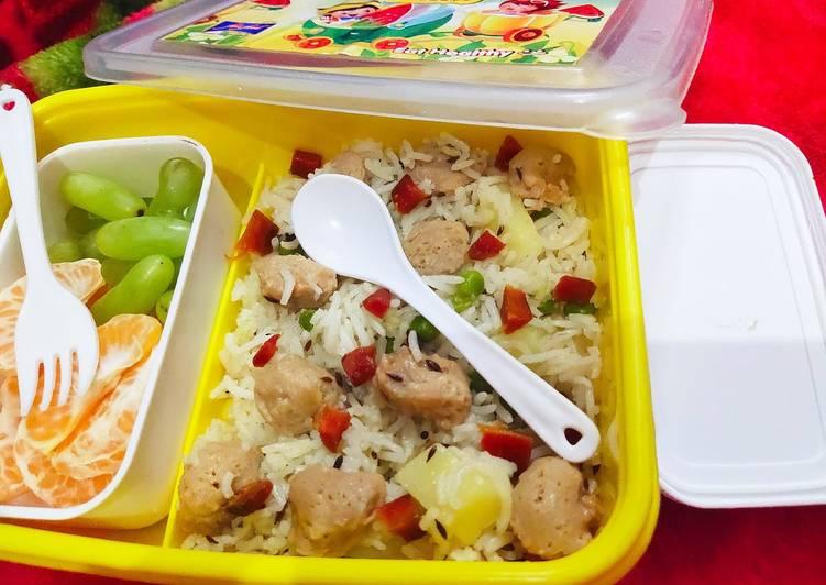 Vegetable soya chunks pulao