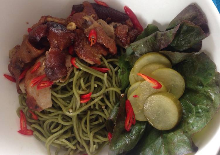 Spinach Noodle with Roasted Duck