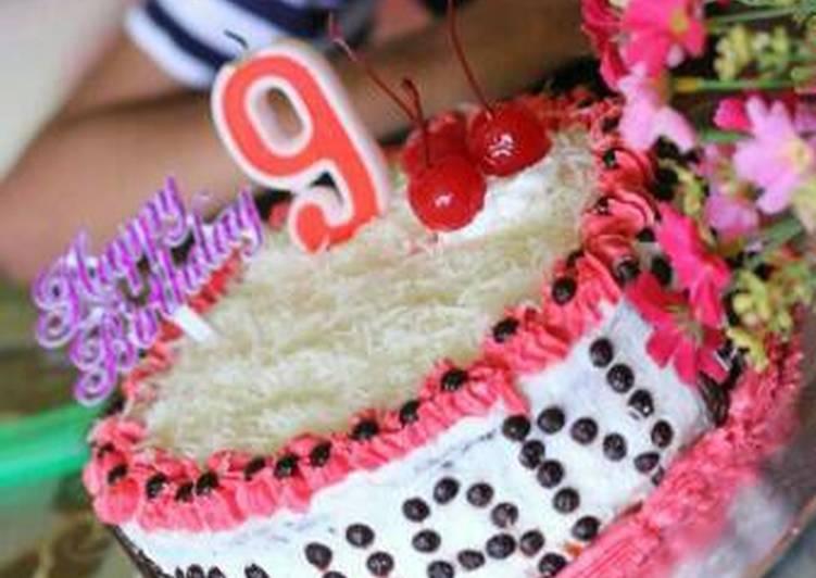 Cake ultah sederhana - cookandrecipe.com