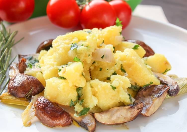 Baked potato salad & mushrooms