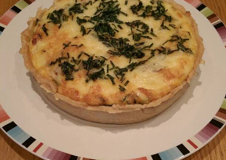Use Food to Improve Your Mood Cheddar, Bacon & Tomato Tart