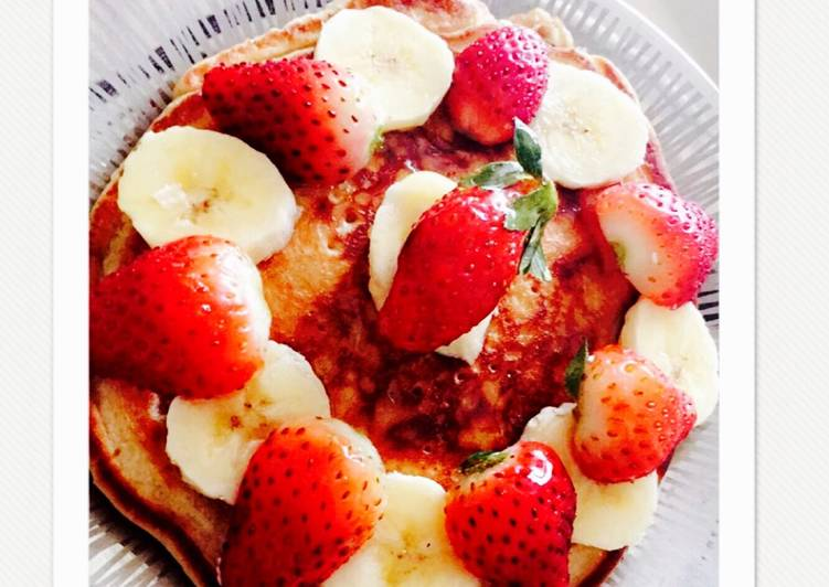 Oats and banana whole wheat pancakes
