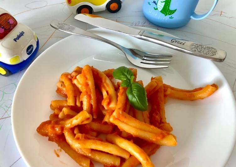 Makaron z sosem pomidorowym dla malucha 🧸 główne zdjęcie przepisu
