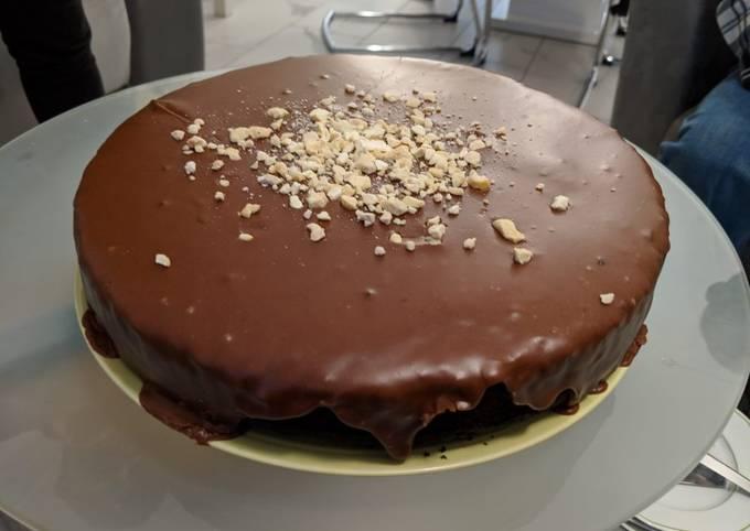 Gâteau au chocolat végane avec glaçage