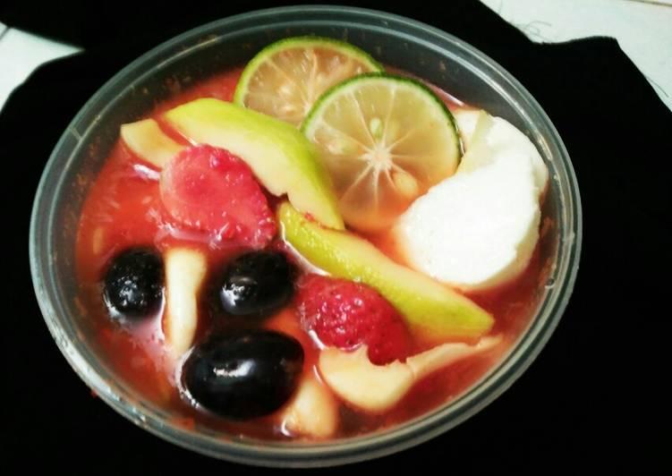 Asinan buah segar simple