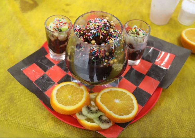 Recipe of Most Popular Chocolate mousse with fruit shots