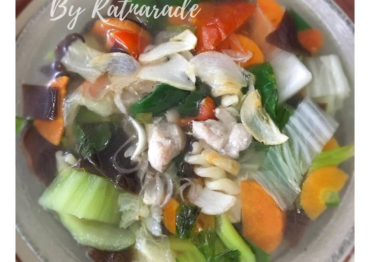 Langkah Mudah untuk Membuat Sup Ayam Fillet & Jamur Kuping, Bisa Manjain Lidah