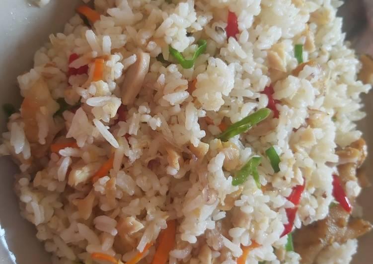 Nasi Goreng Putih Ayam Suwir