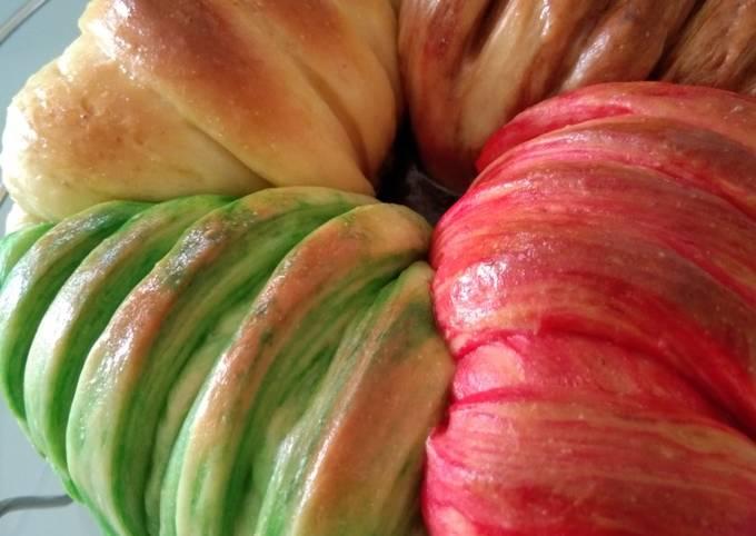 Wool roll bread (roti gulungan wol dlm kaleng kukis Monde 😆)