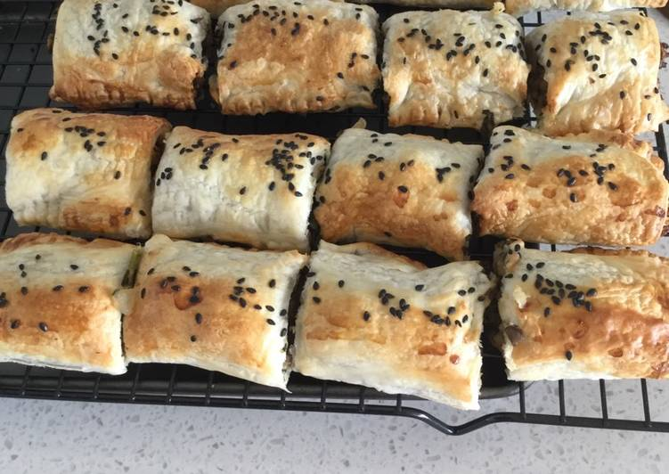 How to Cook Appetizing Vegan Mushroom Rolls