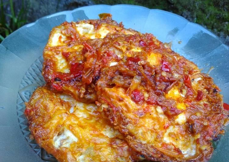 Sambel telur mata sapi