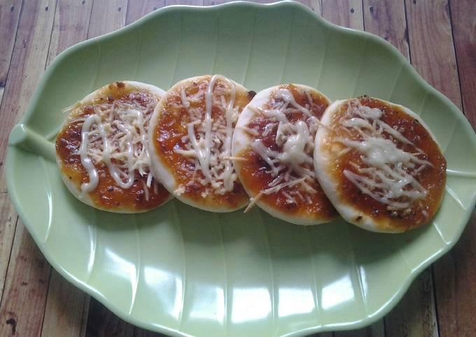 Resep Pizza Mini Ekonomis Oleh Asmaniar Effendi Cookpad