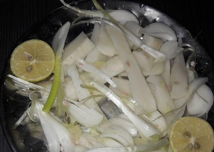 How to Cook Delicious Salat of radish and green onion