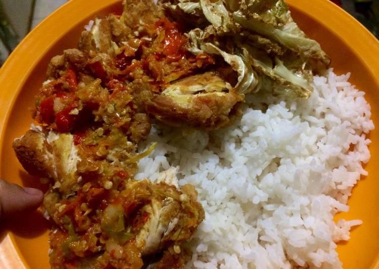 Ayam Geprek kubis goreng Khas Jogya