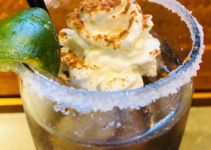 Spiced Rum 🍹 Cola Lime Rickey