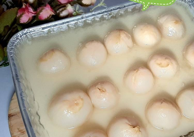 Puding Sutra Leci Kuah